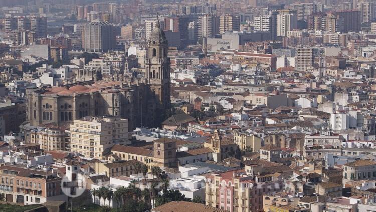Málagas Kathedrale vom Castillo de Gibralfaro gesehen