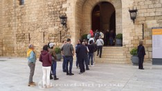 Anstehen zur Besichtigung des Palacio Real de La Almudaina