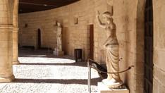Castell de Bellver - im Bogengang