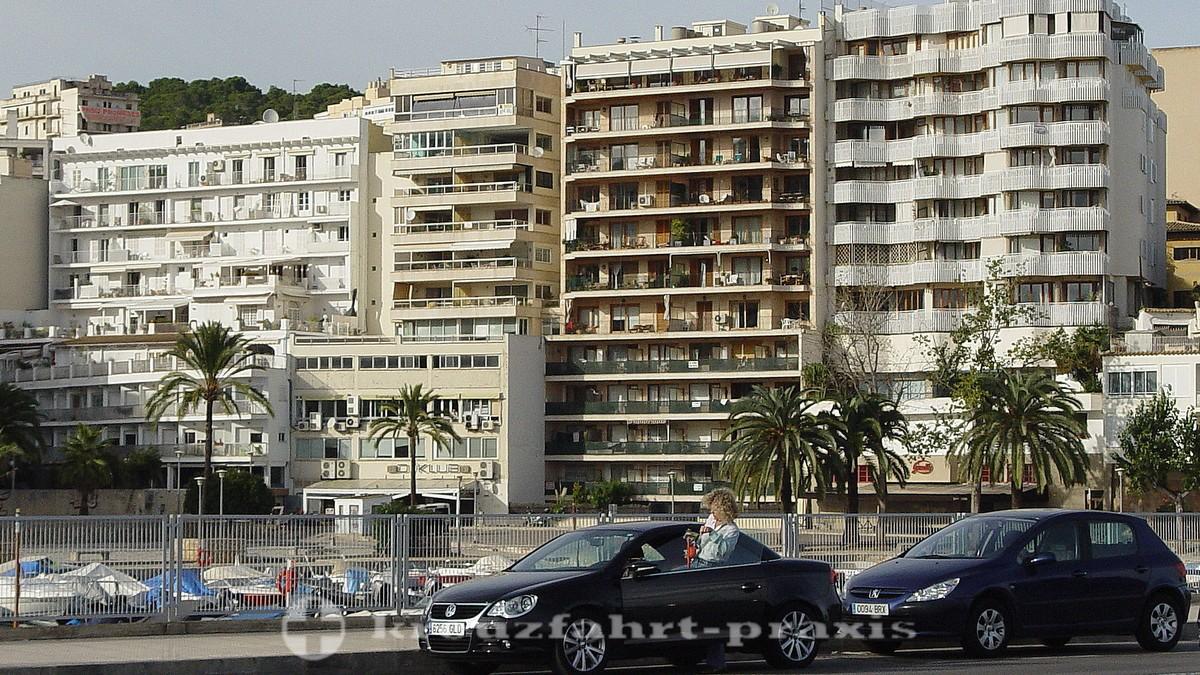 Palma - Hochhäuser an der Uferstraße
