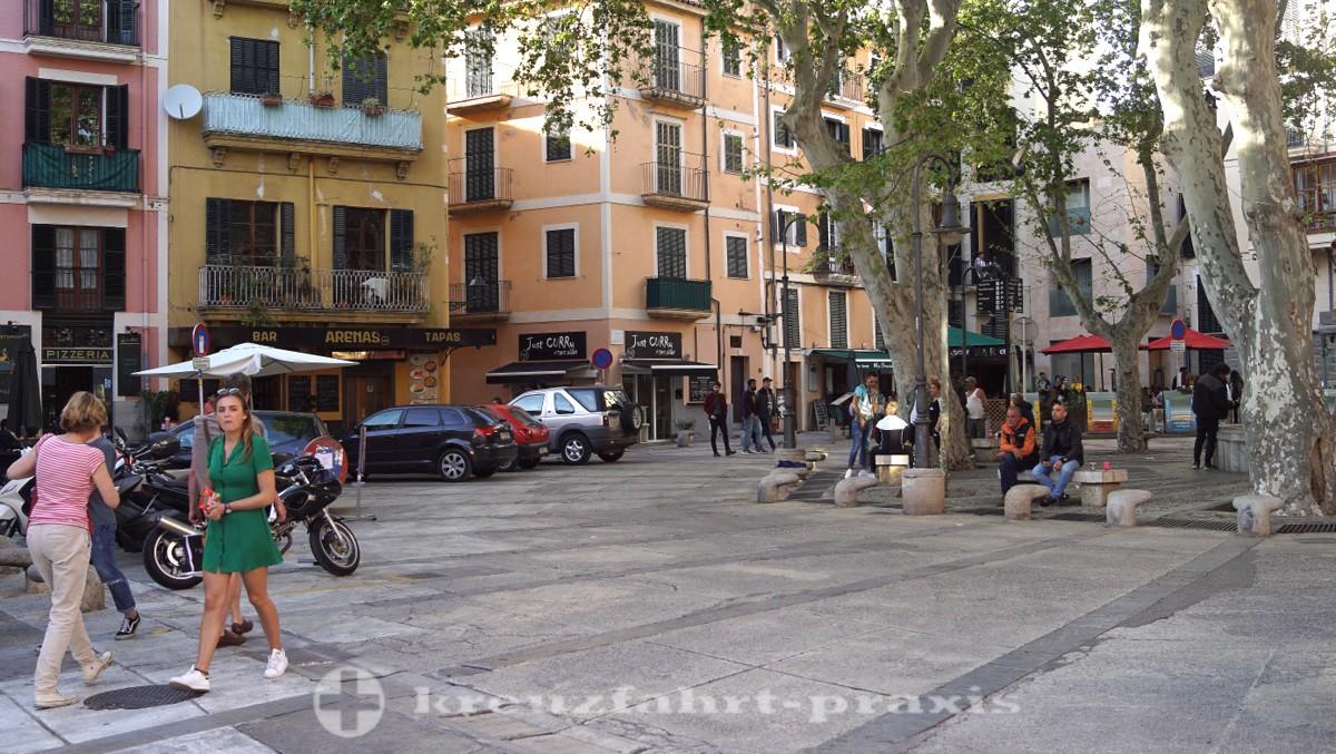 Plaça Drassana