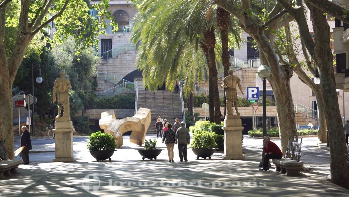 Monumental art on La Rambla