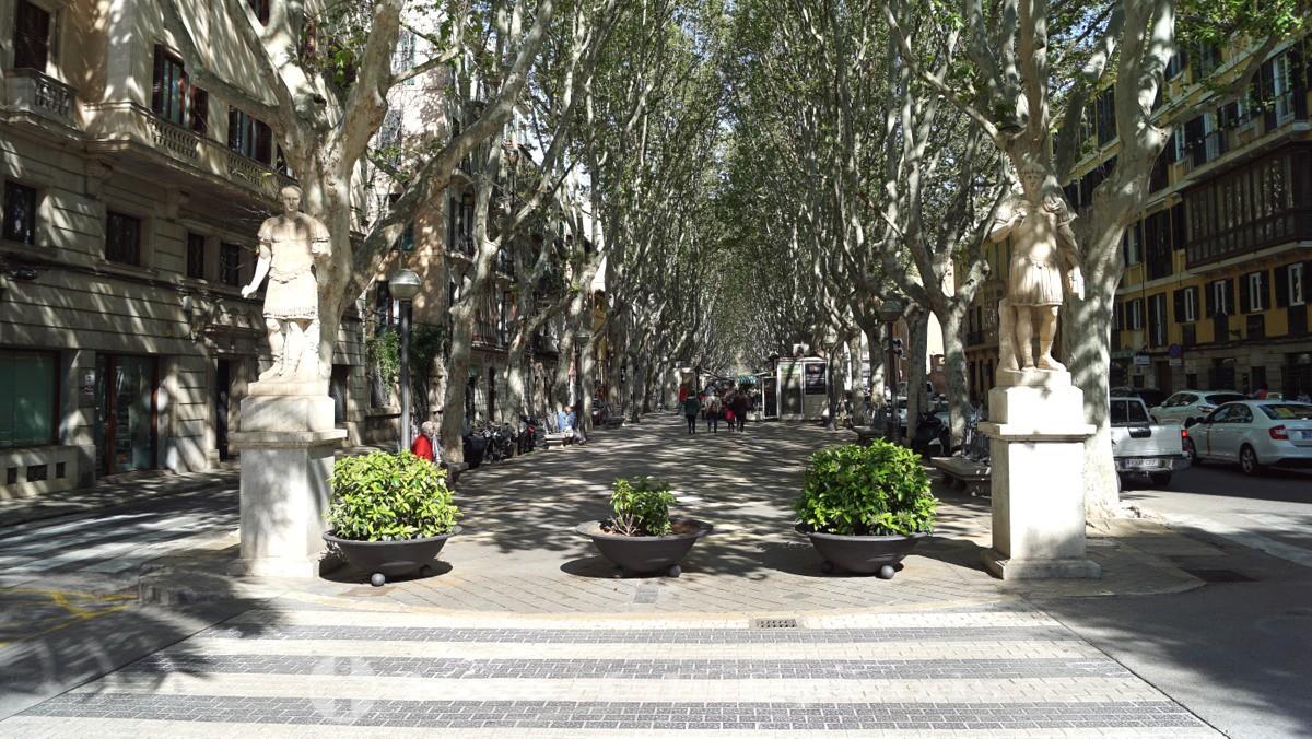 La Rambla boulevard