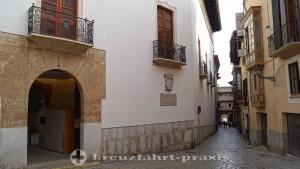 Old town alley in Palma de Mallorca