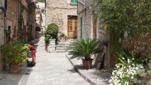 Old town alley in Valldemossa