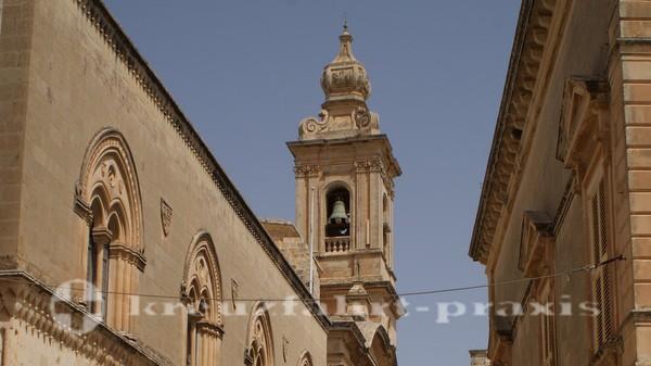 Turm der Karmeliterkirche