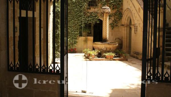 Innenhof des Palazzo Falson