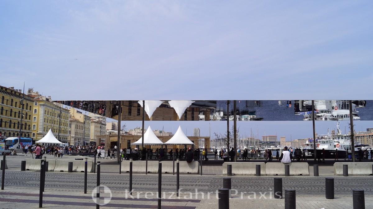 L'Ombrière de Norman Foster pavilion
