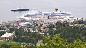 Costa Pacifica am Anleger von Molde