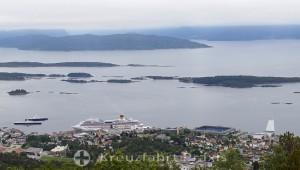 Blick vom Varden auf Moldes Inselwelt