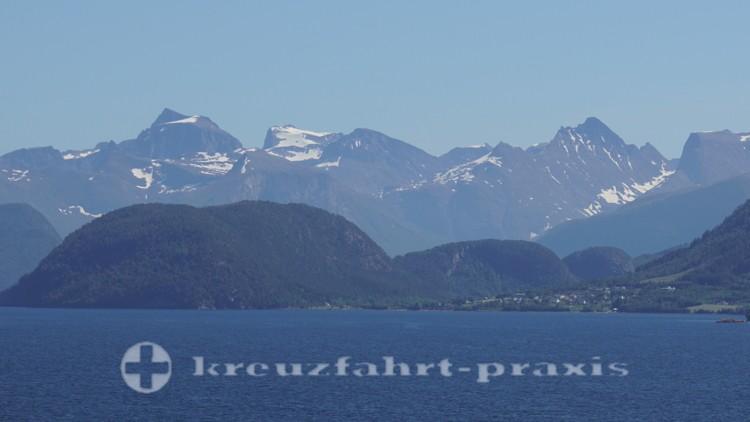 Auf dem Seeweg nach Andalsnes