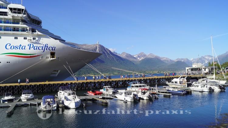 Anleger der Kreuzfahrtschiffe in Andalsnes