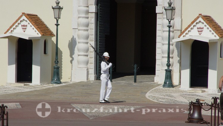 Monaco - Wachsoldat vor dem Fürstenpalast