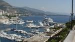 Monaco - Port Hercule mit Kreuzfahrtschiff
