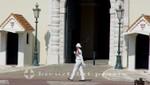 Monaco - Wachhabender vor dem Fürstenpalast