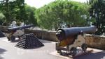Monaco - Wehrhaftes vor dem Fürstenpalast