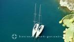 Monaco - Zwei Boote vor Port de Fontvielle