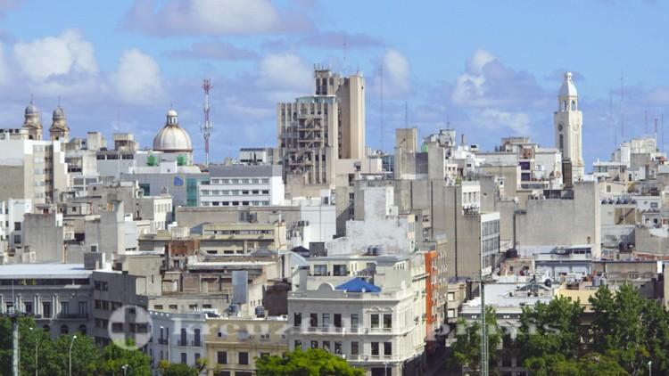 Uruguays Hauptstadt vom Schiff gesehen