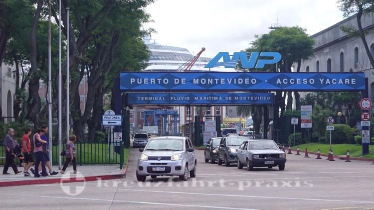 Zufahrt zum Hafen von Montevideo