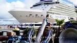 Cruise Terminal mit Celebrity Eclipse