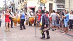 Folklore in der Calle Perez Castellanos
