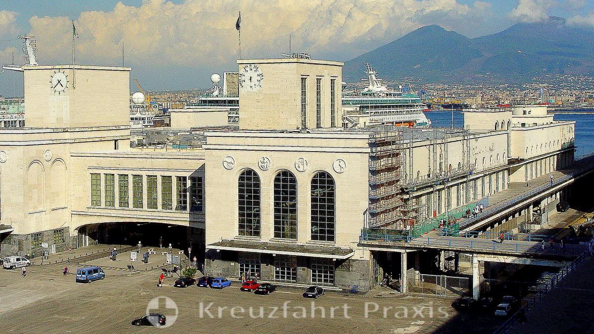 Molo Beverello - Naples cruise terminal