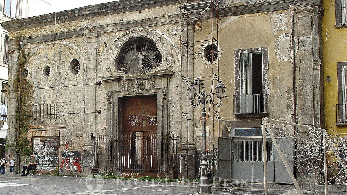 Naples - marked by the ravages of time
