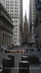 Trinity Church von der Wall Street gesehen