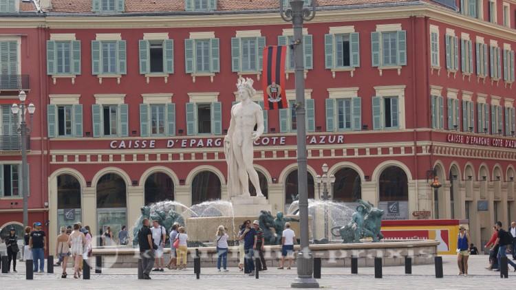 Nizza - Apollon-Statue auf der Place Masséna