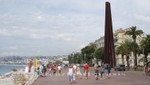 Nizza - Stahlmonument Neuf Lignes Obliques