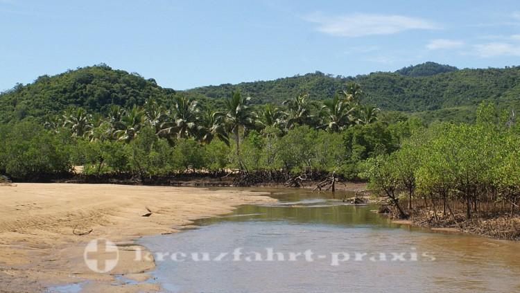 Madagaskar - Nosy Be - Ebbe vor Ambatozavavy