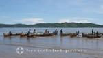 Madagaskar - Nosy Be - Wartende Pirogen