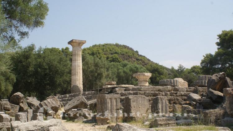 Olympia - Überreste des Zeus Tempels