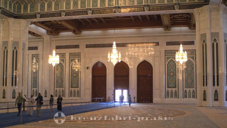 Oman - Sultan Qaboos Moschee - Hauptgebetsraum