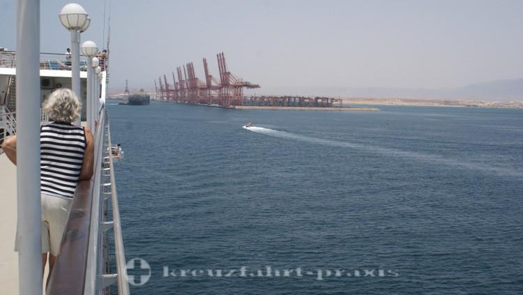 Salalah - Der Hafen von Salalah voraus