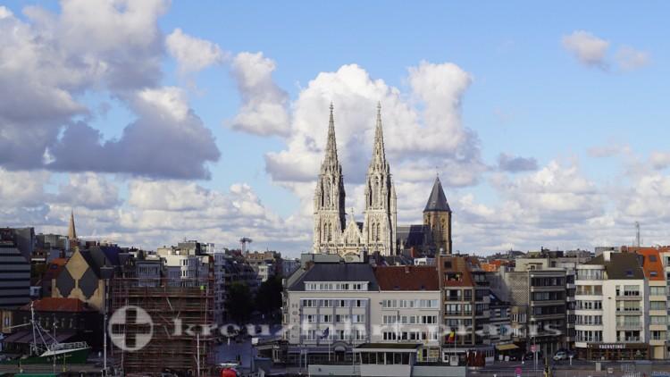 Sint-Petrus-en-Pauluskerk mit dem Peperbusse