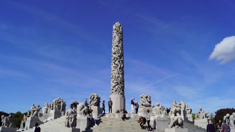 Vigeland Park - Monolith