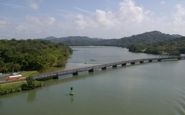 Panamakanal Passage - Zufluss des Rio Chagres