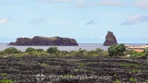 Pico / Azores - Ilhéu Deitado and Ilhéu em Pé
