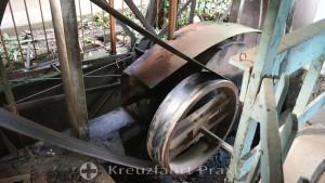 Eloy Alfaro Ooxcart Factory - Antrieb der Maschinen mittels Transmissionsriemen