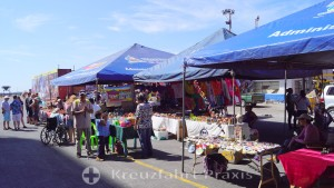 Puerto Corinto - souvenir stalls in the harbor