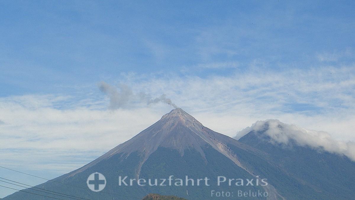 Guatemala - Volcan de Acatenango - der Raucher