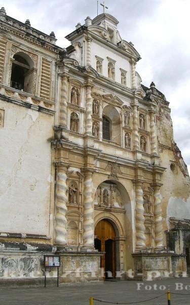 Puerto Quetzal - Die San Francisco-Kirche in Antigua