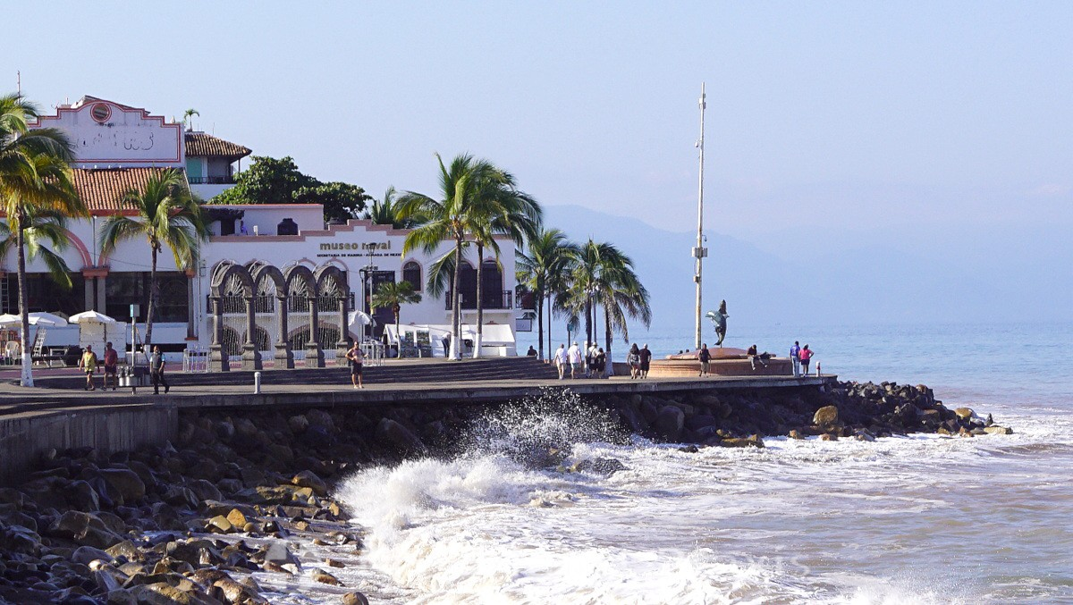 Puerto Vallarta - Malecón with the Museo Naval