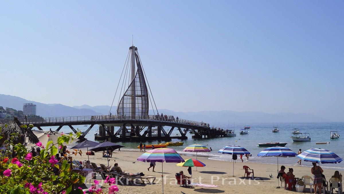 Muelle de Playa los Muertos in Puerto Vallarta