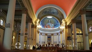 Mittelschiff der Kathedrale