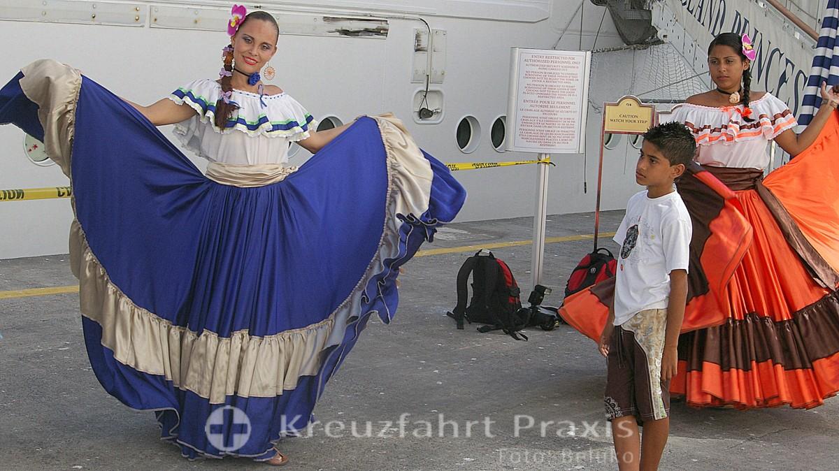 Puntarenas - Begrüßung der Kreuzfahrtpassagiere