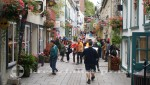Quebec - Touristen in der Rue du Petit Champlain