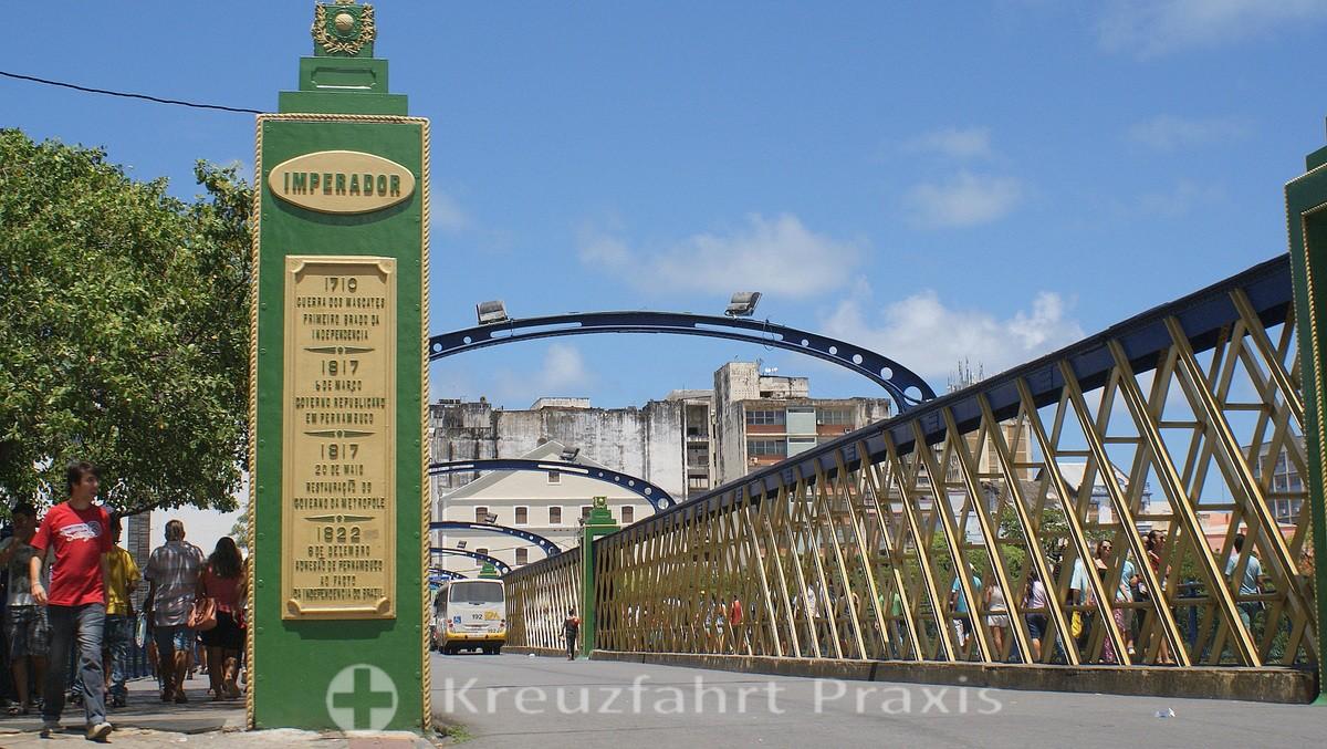 Ponte Imperador - bridge over the Capibaribe