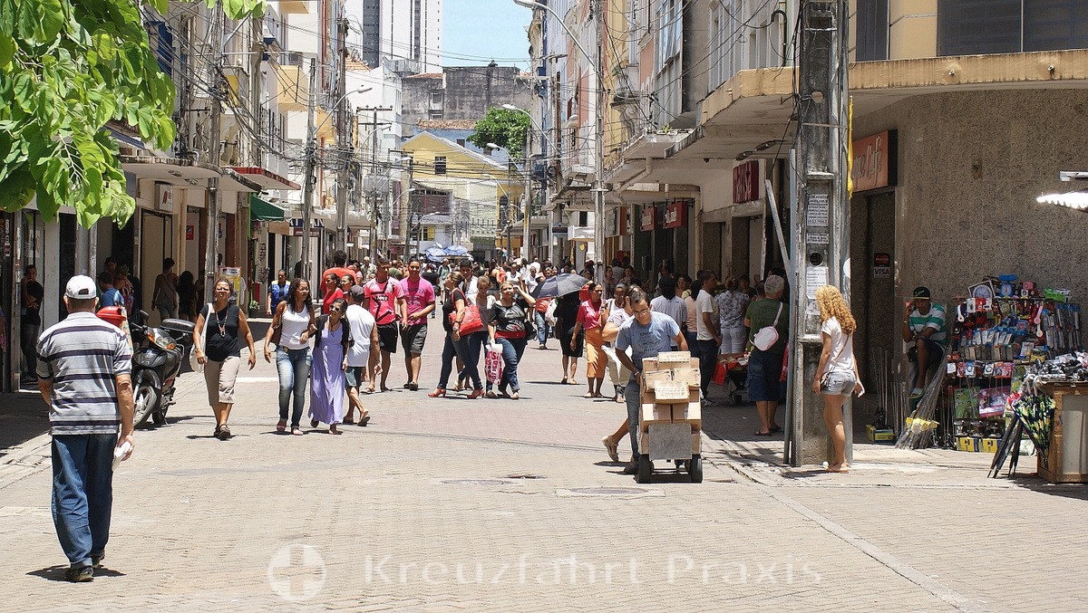 Hustle and bustle in the center of Recife
